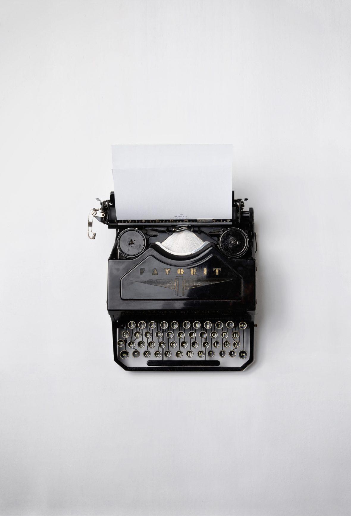 "alt=""Biljana Hutchinson book writing typewriter"""